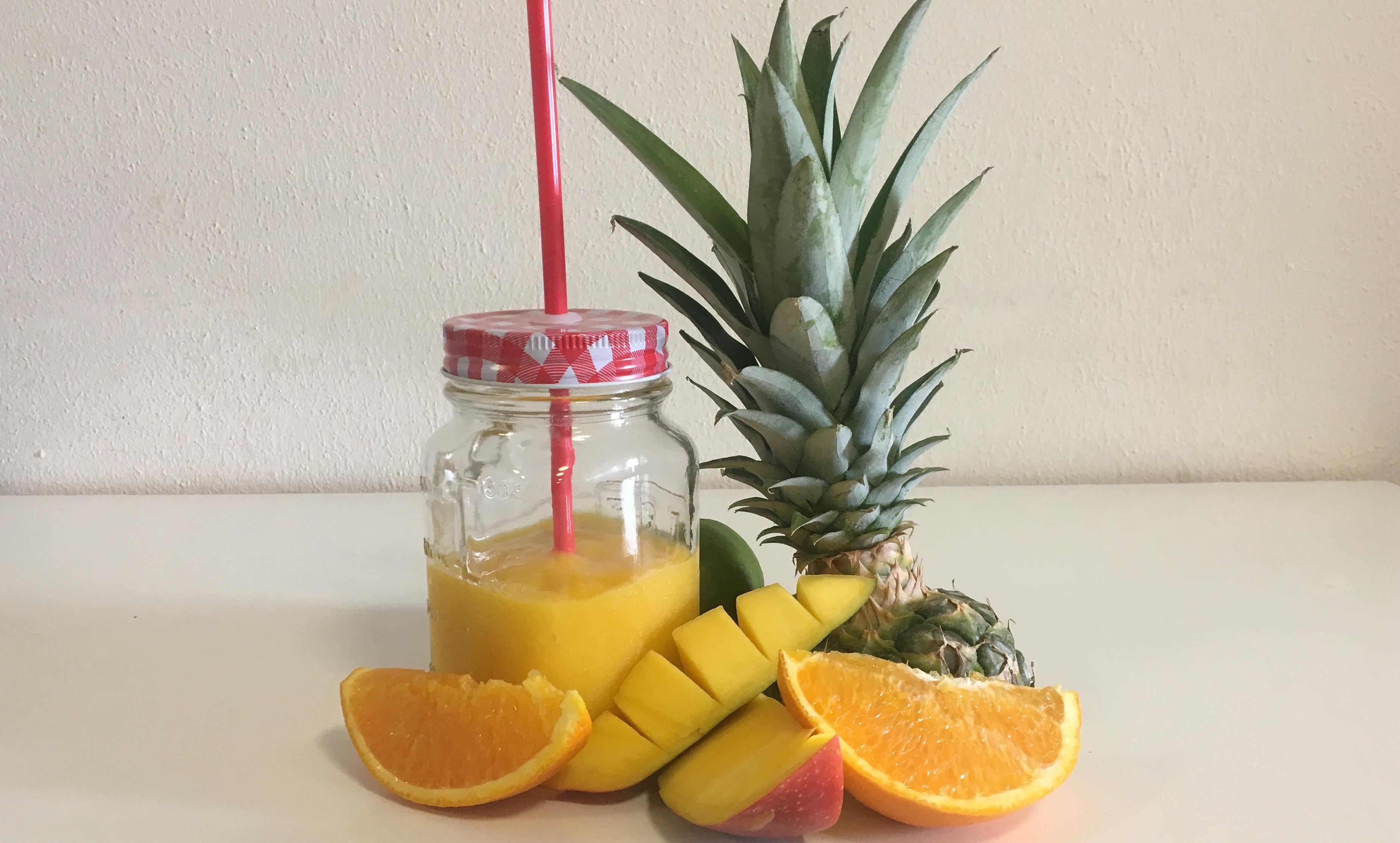 Ananas-Orangen-Mango Smoothie; Foto: Staatsanzeiger für Baden-Württemberg, Johanna Klein