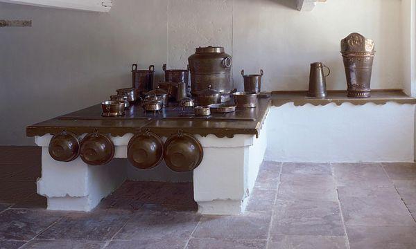 Die Herdstelle in der Schauküche von Schloss Favorite Rastatt