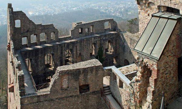 Luftaufnahme des Bernhardbaus im Alten Schloss Hohenbaden