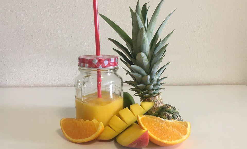Ananas-Orangen-Mango Smoothie